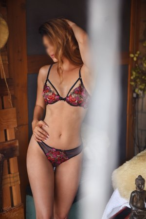 Sorane escorts in Charleston Illinois