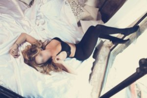 Leititia escorts in Bixby OK
