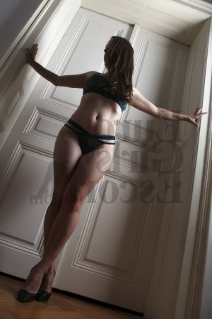 Nursel escort