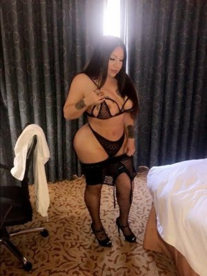 Casilde latina escort girl in Overland