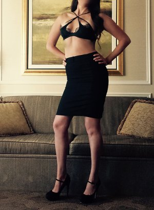 Saltana escort girl in Powell Ohio