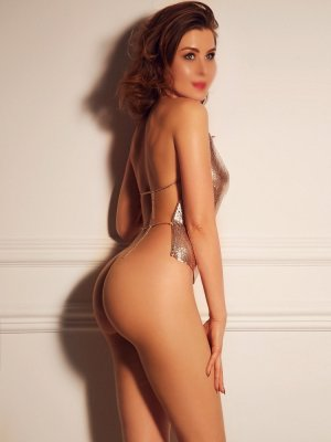 Lusia latina escort girl