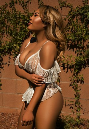 Hassiba latina escorts in Centerville